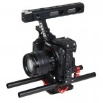 PULUZ Handle Video Camera Cage Steadicam Stabilizer for Sony A7 & A7S & A7R & A7R II & A7S II, Panasonic Lumix DMC-GH4 (Red)